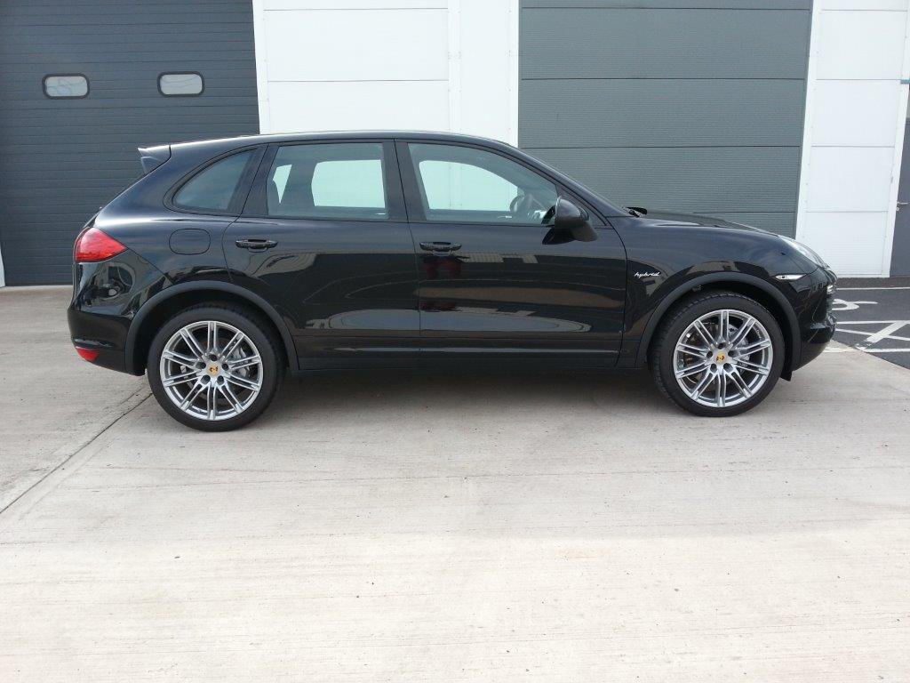 porsche cayenne s hybrid firecracker. Black Bedroom Furniture Sets. Home Design Ideas